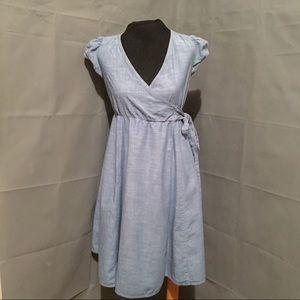 Gap maternity chambray nursing dress